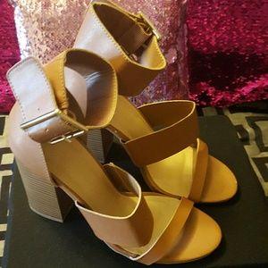 Tan, chunky heel, cute sandles 💗💗
